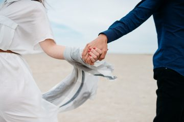 もし早く結婚して幸せになりたいのであれば、自分自身が満たされて幸せになるのが一番の近道
