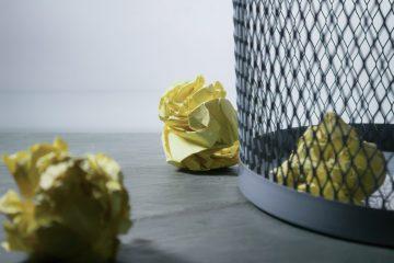 「ゴミを捨てたらバチがあたる」からか、公共の場がキレイ。