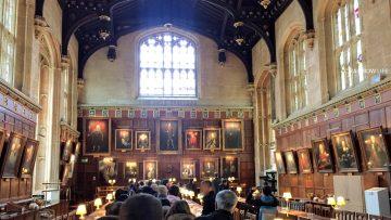 オックスフォード大学の食堂として現在も使われているところが、ハリーポッターの食堂として使われた場所です。