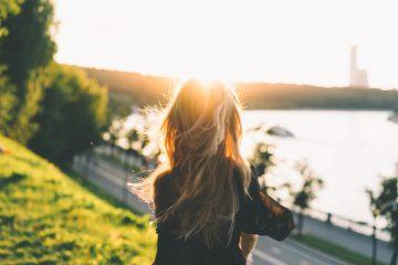 欧米の生活 涼しい時間帯に散歩して太陽の光を浴びる